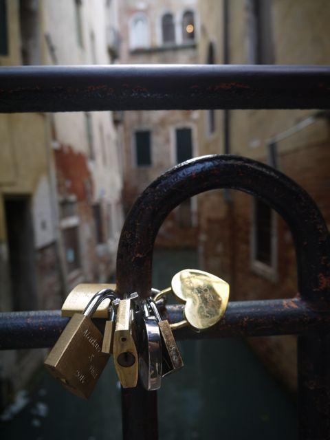 わたしは鍵が苦手です。